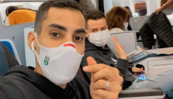 Douglas Souza relata em redes sociais ter sofrido homofobia durante viagem