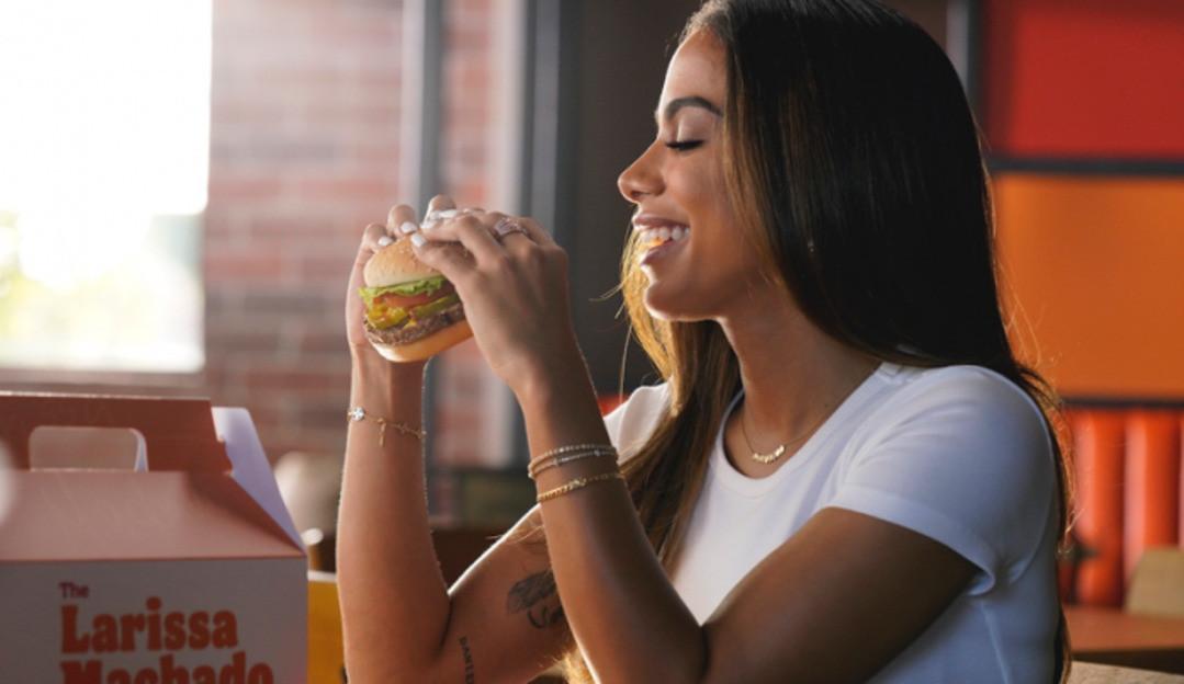 Anitta é destaque na propaganda do Burger King EUA