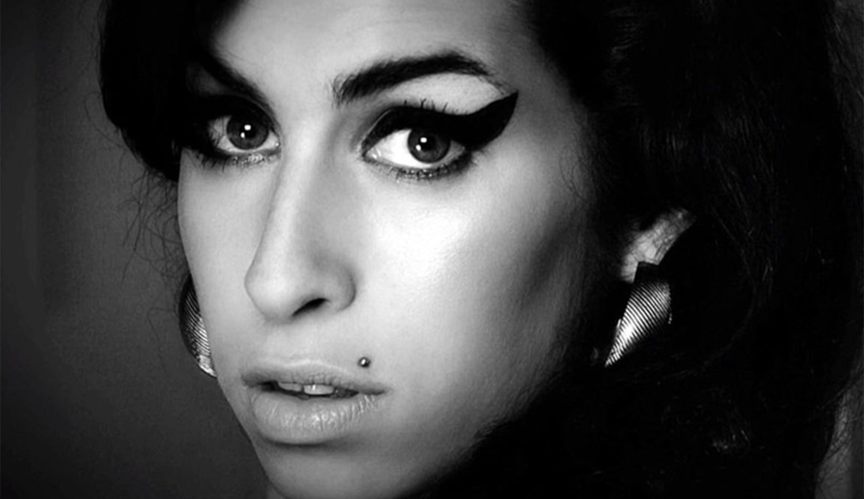 Amy Winehouse irá ganhar documentário pela BBC contando sua trajetória em 10 fotos